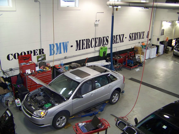 Mercedes benz repair by hollis brothers auto service in for Mercedes benz repair shops